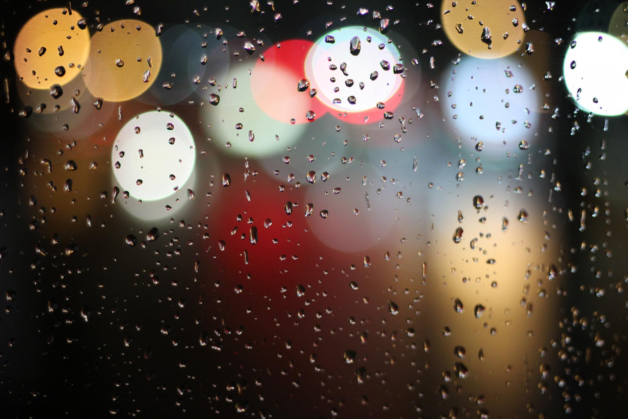 Am Fronleichnamstag fegten heftige Unwetter über die Region, die eine Störung der Internetverbindung im Bereich Halsbach nach sich zogen. Trotz widrigster Witterungsbedingungen konnte unser Techniker zügig Abhilfe verschaffen und die Verbindung wieder herstellen. Wir entschuldigen uns für die entstandenen Ausfallszeiten.